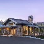 Diamond Hitch Mountain Modern House Driveway