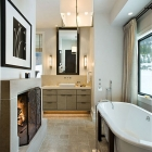 Powder Snow House - Master Bathroom