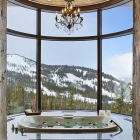 Six Shooter Custom House Jacuzzi Tub