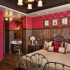 Six Shooter Custom House - Guest Room
